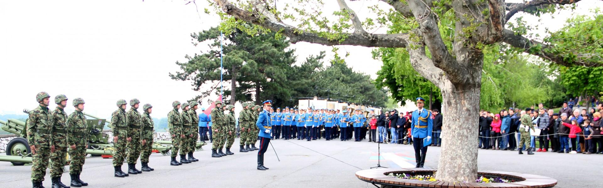 Počasna paljba povodom Dana Vojske Srbije