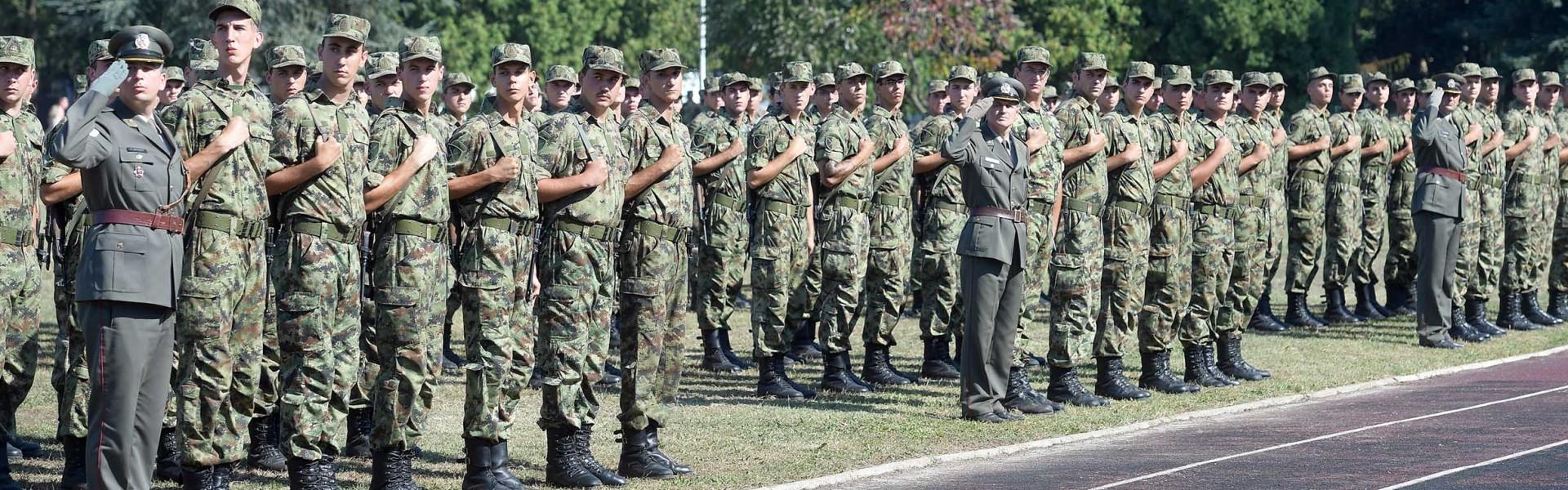 Министар Вулин: Снажна војска за стабилан мир