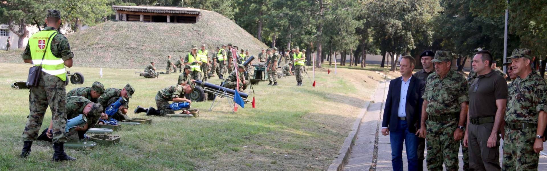 Ministar Vulin: Prioritet obuka aktivnog i rezervnog sastava vojske