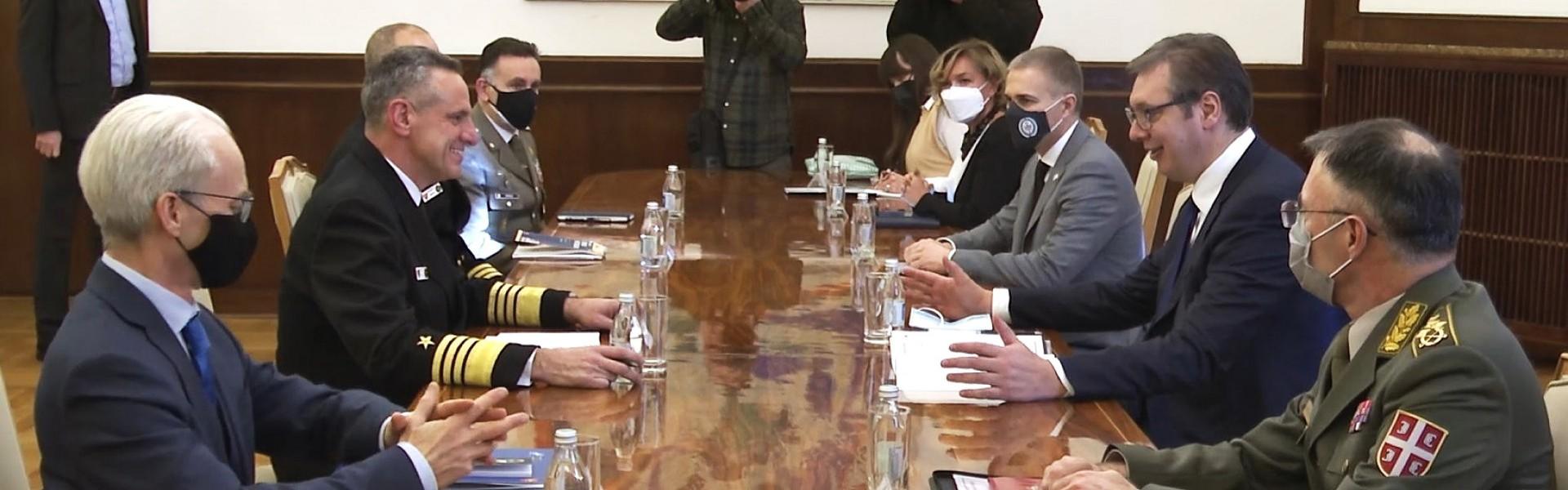 Састанак председника Вучића са командантом Команде здружених снага НАТО-а адмиралом Бурком