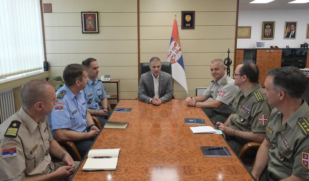 Састанак министра Стефановића са будућим изасланицима одбране Републике Србије