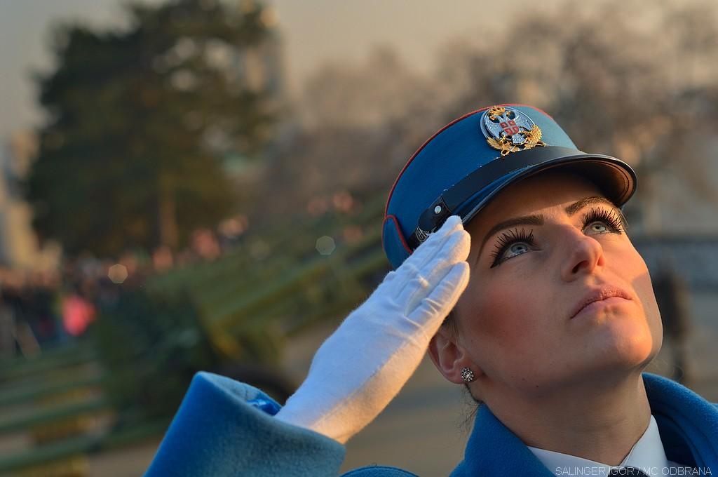Војнички поздрав гест поштовања и поверења