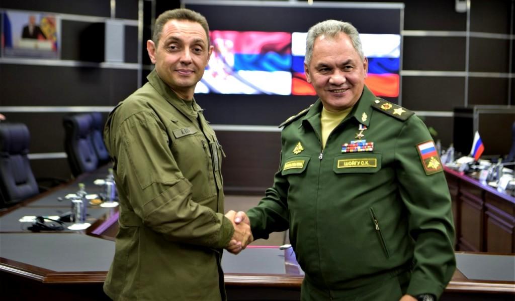 Министар Вулин Споразум врховних команданата Вучића и Путина се спроводи и наставиће да даје резултате