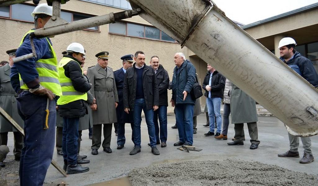 Министар одбране У наредних годину дана 300 милона за реконструкцију Војне академије