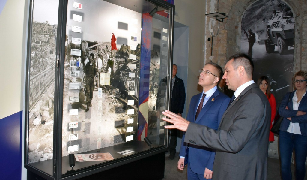 Ministers of Defense and Interior visited Exhibition Odbrana 78 Defense 78