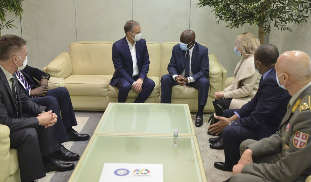 Minister Stefanović Welcomed Angolan Minister of Defence and Veterans of the Fatherland General Santos