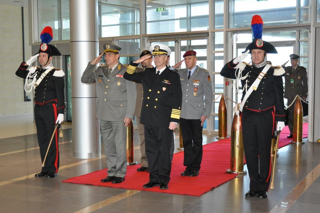 Генерал Диковић у посети команди Здружених снага у Напуљу
