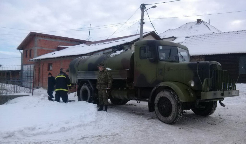 Војска Србије и данас помаже завејаном становништву