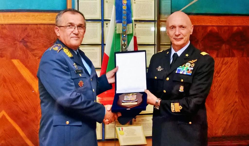 Командант РВ и ПВО у посети Италији