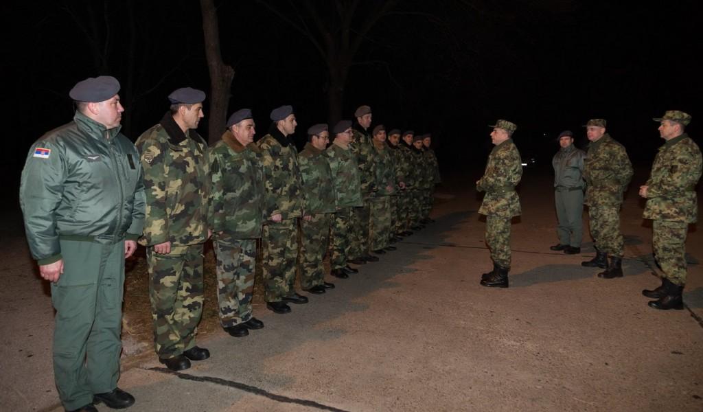 Генерал Драганић обишао дежурне јединице на Батајници