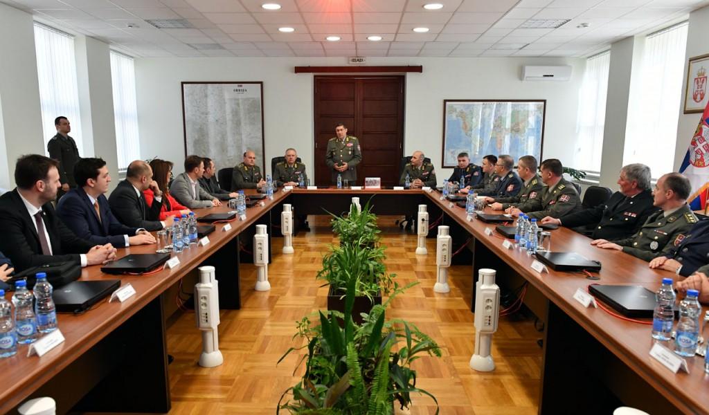 General Diković razgovarao s polaznicima Visokih studija bezbednosti i odbrane