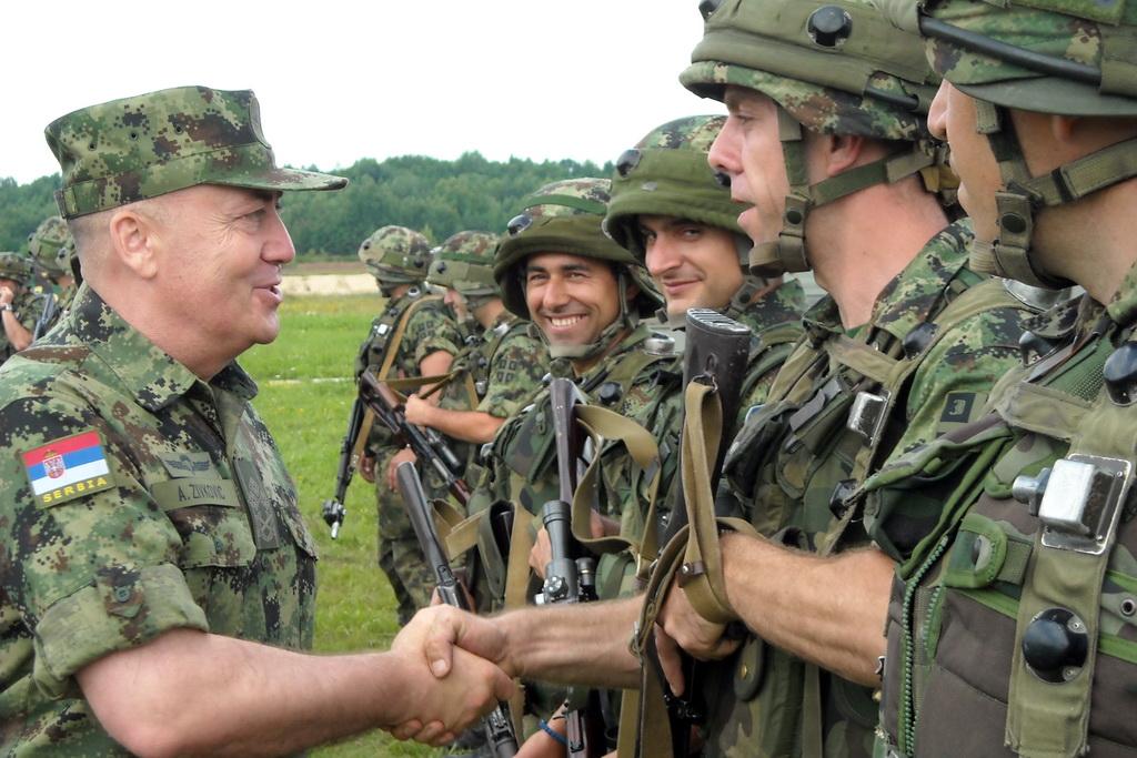 Командант Копнене војске посетио наше војнике у Украјини