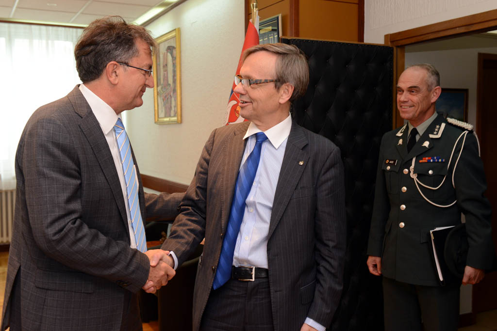 Meeting between the Minister of Defence and the Ambassador of Norway