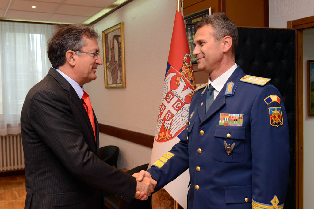 Minister of Defence meets Romanian Chief of Defence