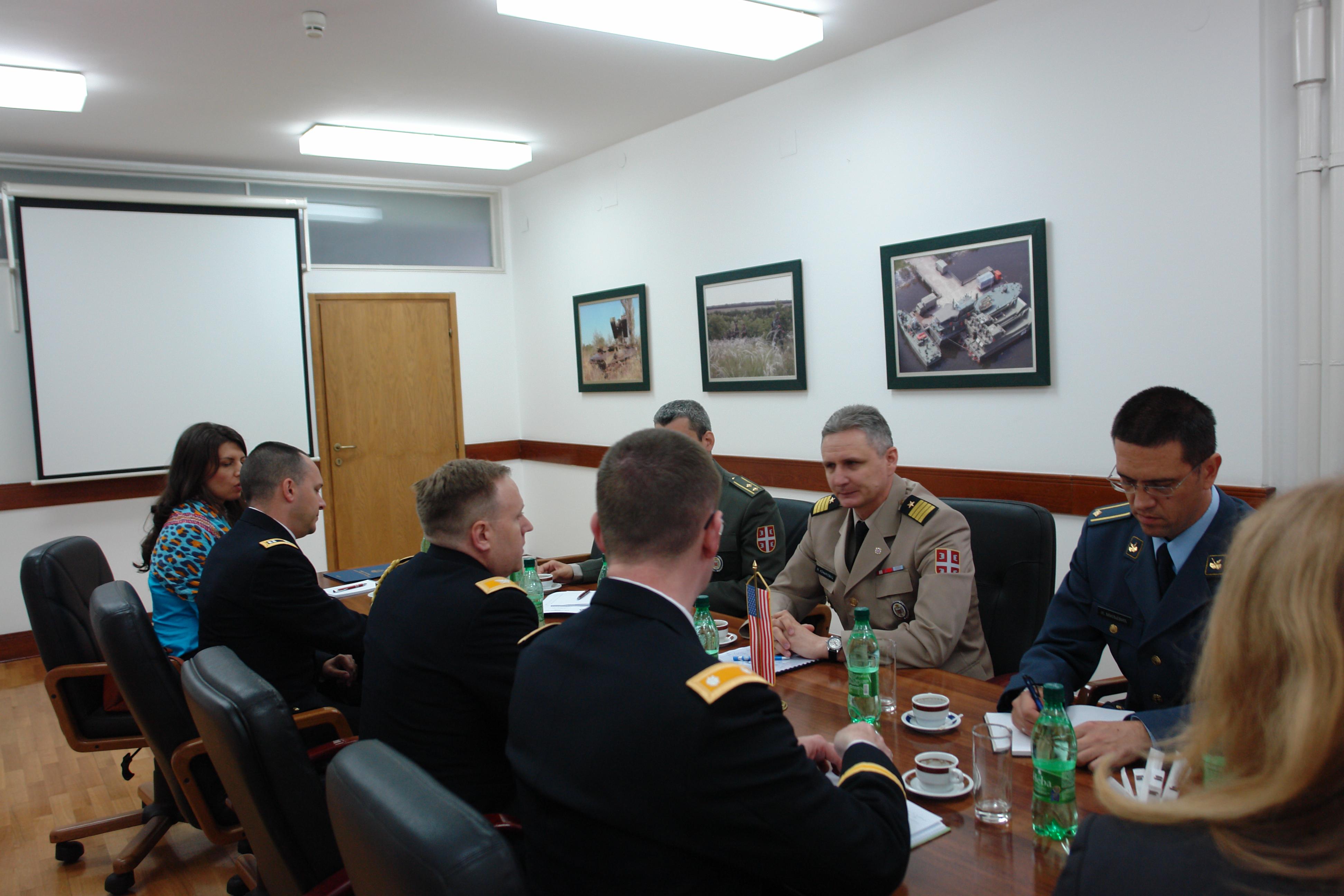 Наставак успешне сарадње Србије и САД у области одбране