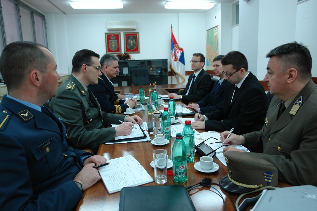 Потврда добре сарадње Србије и Мађарске у области одбране