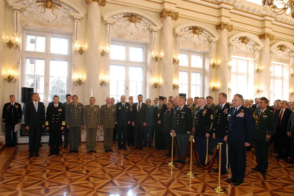 Примопредаја дужности у НАТО војној канцеларији за везу
