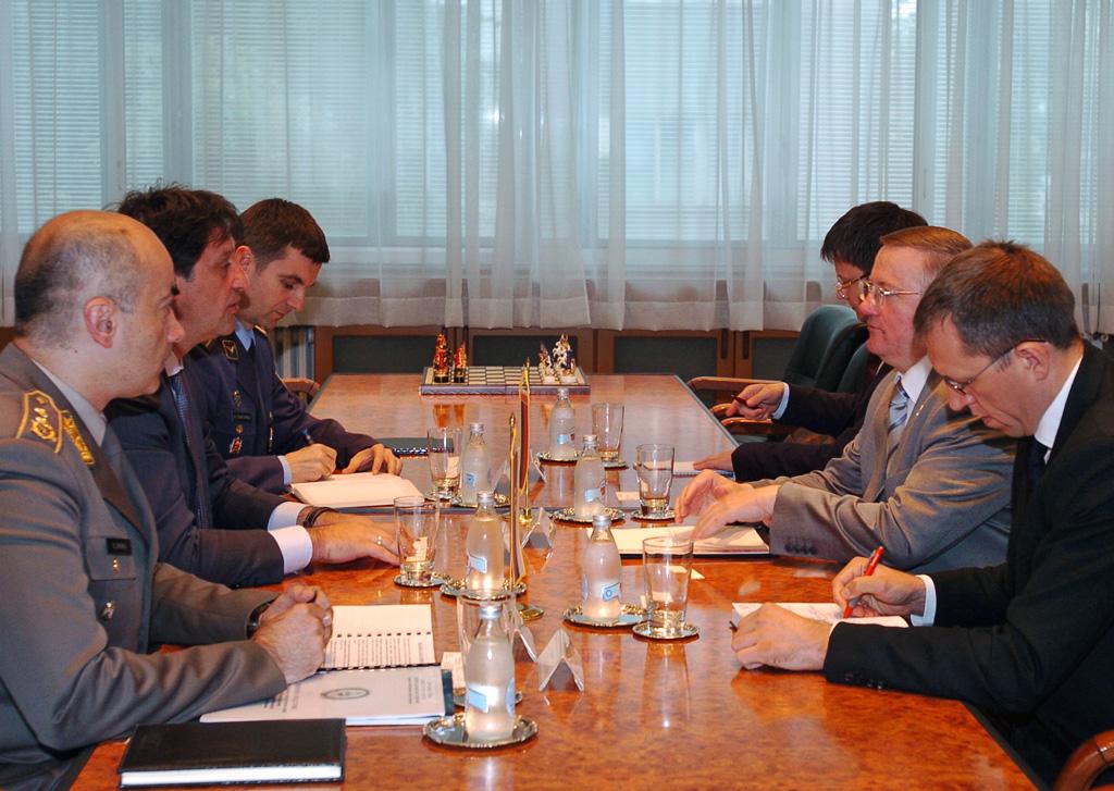Министар одбране примио амбасадора Белорусије