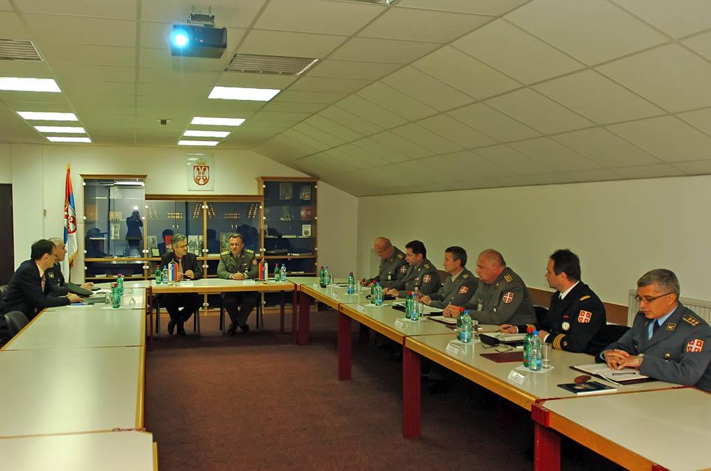 Посета делегације Инспектората Словеније за одбрану