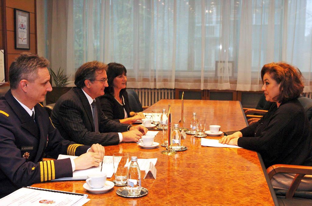 Састанак министра одбране са амбасадорком Египта