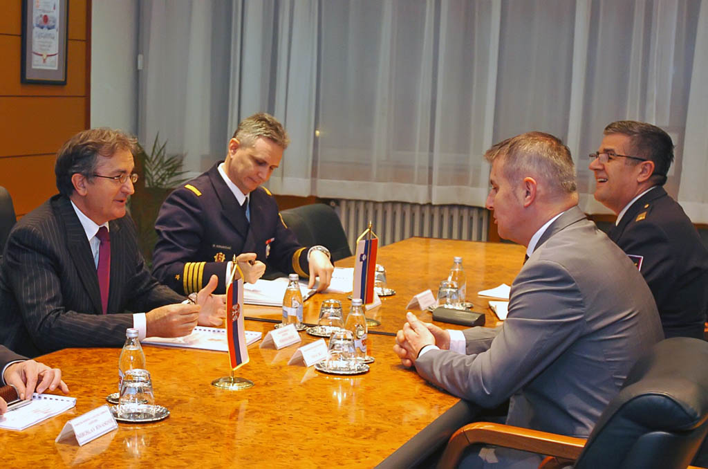 Minister meets with the Ambassador of Slovenia
