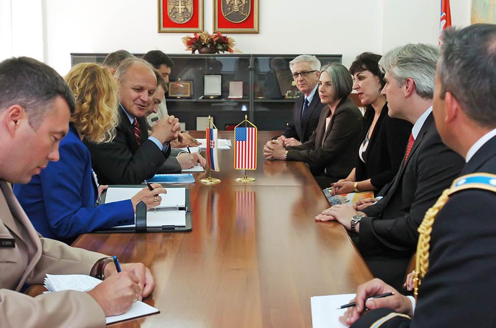 Помоћник министра примио делегацију Морнаричке последипломске школе ОС САД