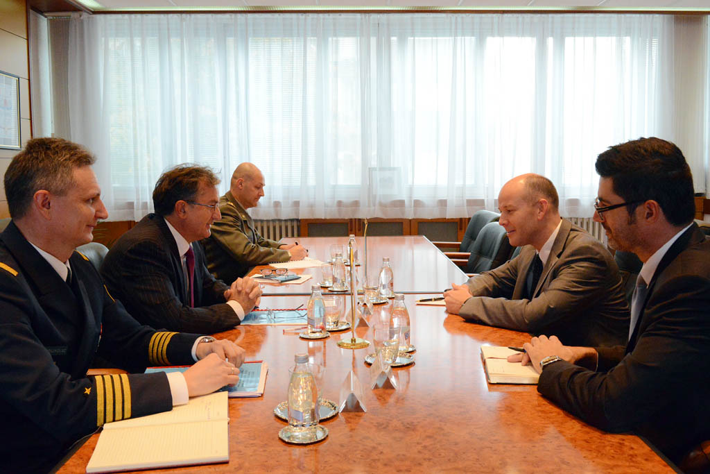 Minister of Defence meets the head of the UN Office in Belgrade