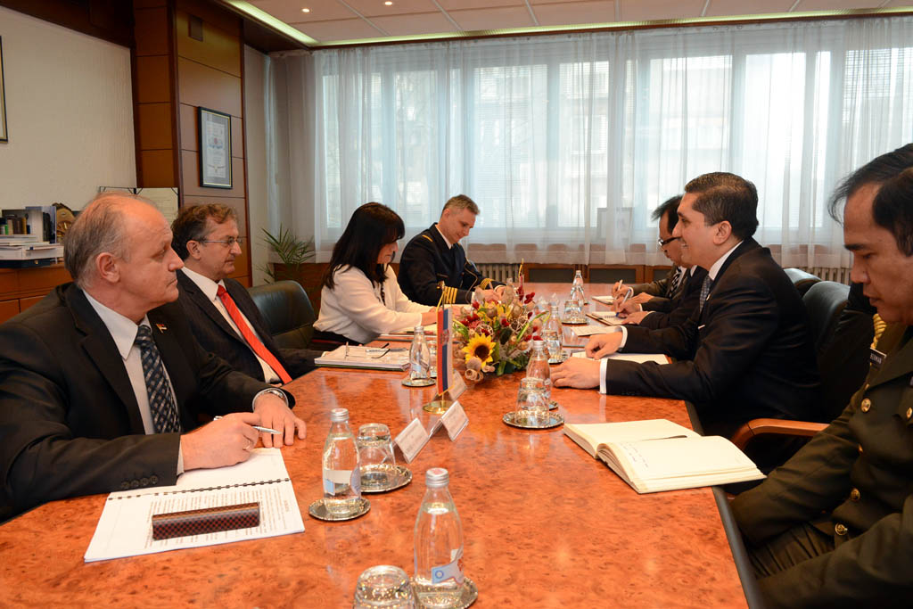 Minister of Defence meets the Ambassador of Indonesia