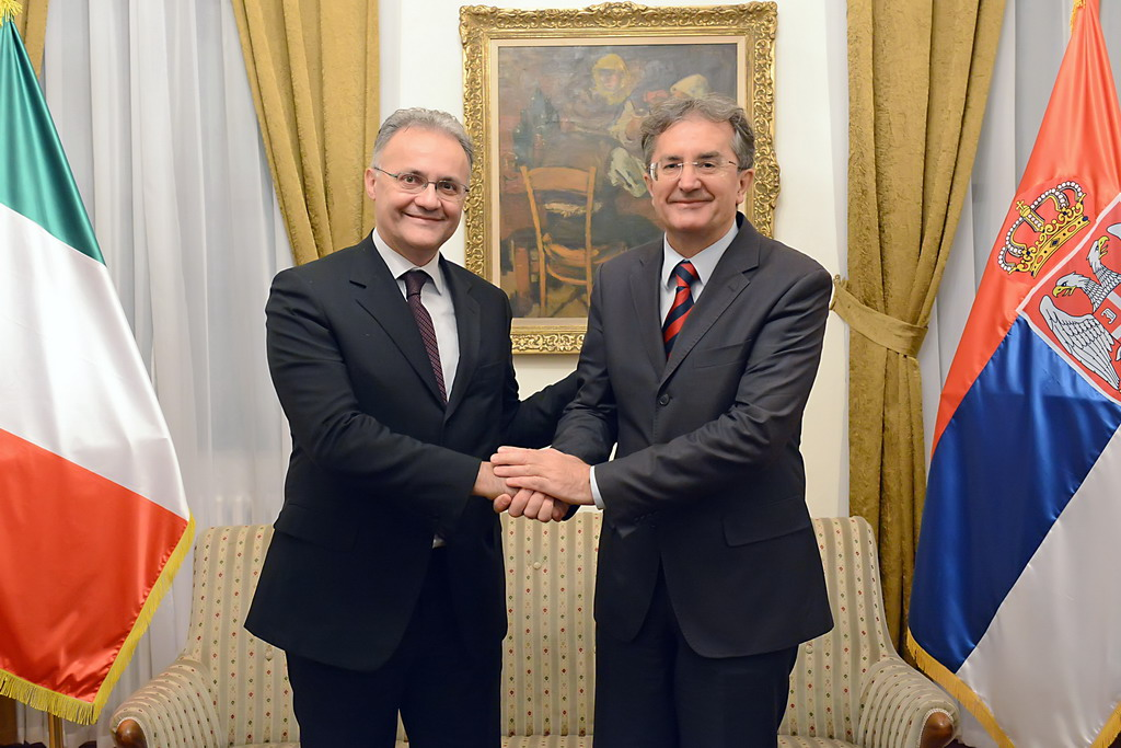 Ministers of Defence of Serbia and Italy meet
