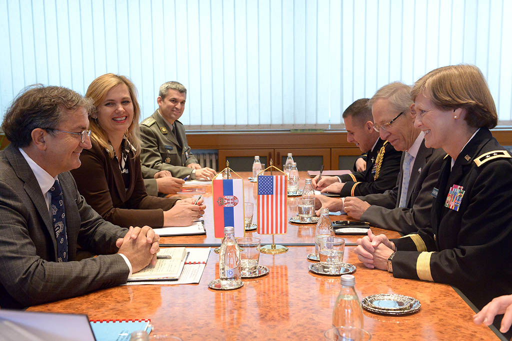 Министар одбране примио америчку делегацију