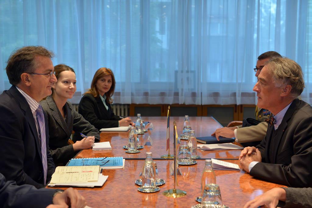 Састанак министра одбране са амбасадором Француске