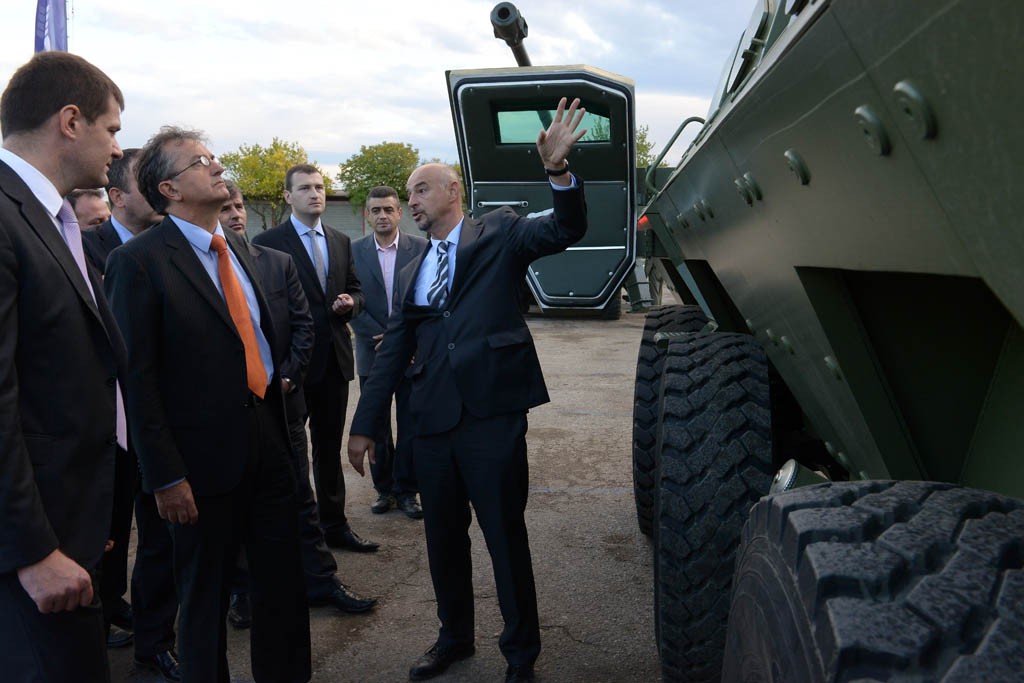 Minister Rodic visits Complex Combat Systems factory in Velika Plana
