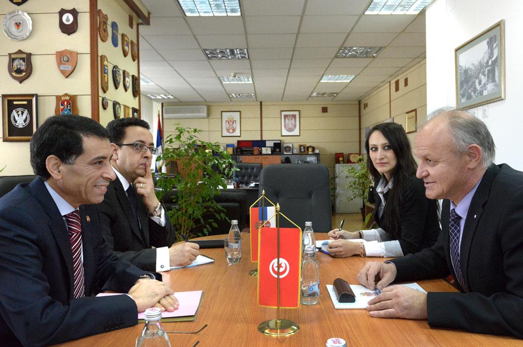 Састанак помоћника министра за политику одбране са амбасадором Туниса