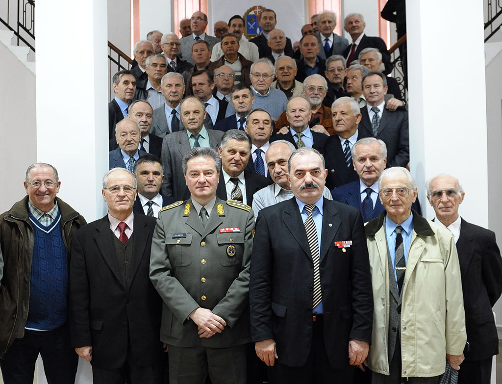 Retired Generals and admirals Visit Defense University