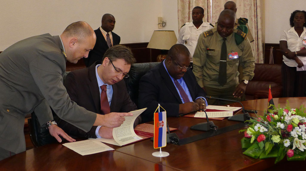 Minister Vucic with the President of Angola
