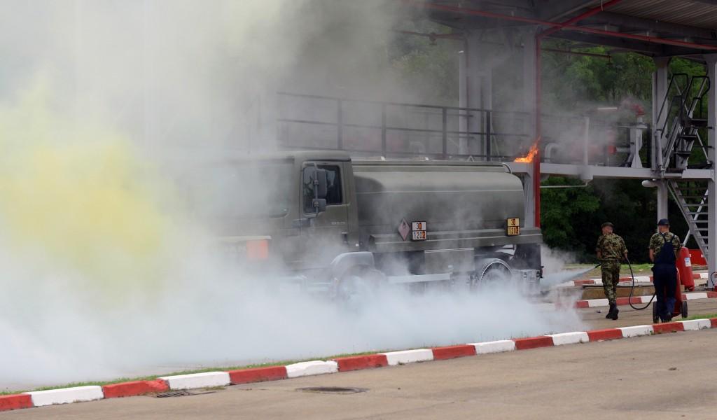 Вежба гашења пожара у складишту погонских средстава