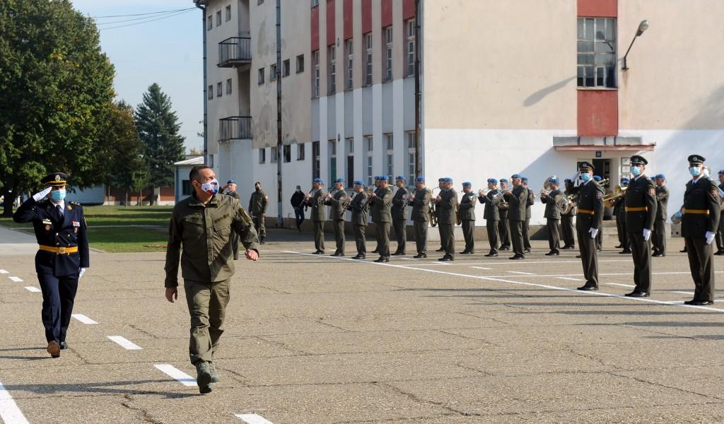 Ministar Vulin na promociji podoficira Vojske Srbije Dok je Aleksandar Vučić vrhovni komandant Vojske Srbije i predsednik Republike Srbije ova zemlja će biti vojno neutralna i sama će donositi svoje odluke