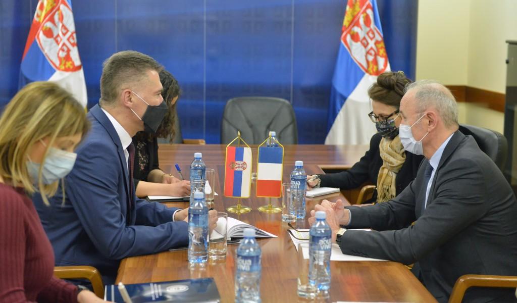 Састанак помоћника министра за политику одбране Бандића са амбасадором Француске Фалконијем