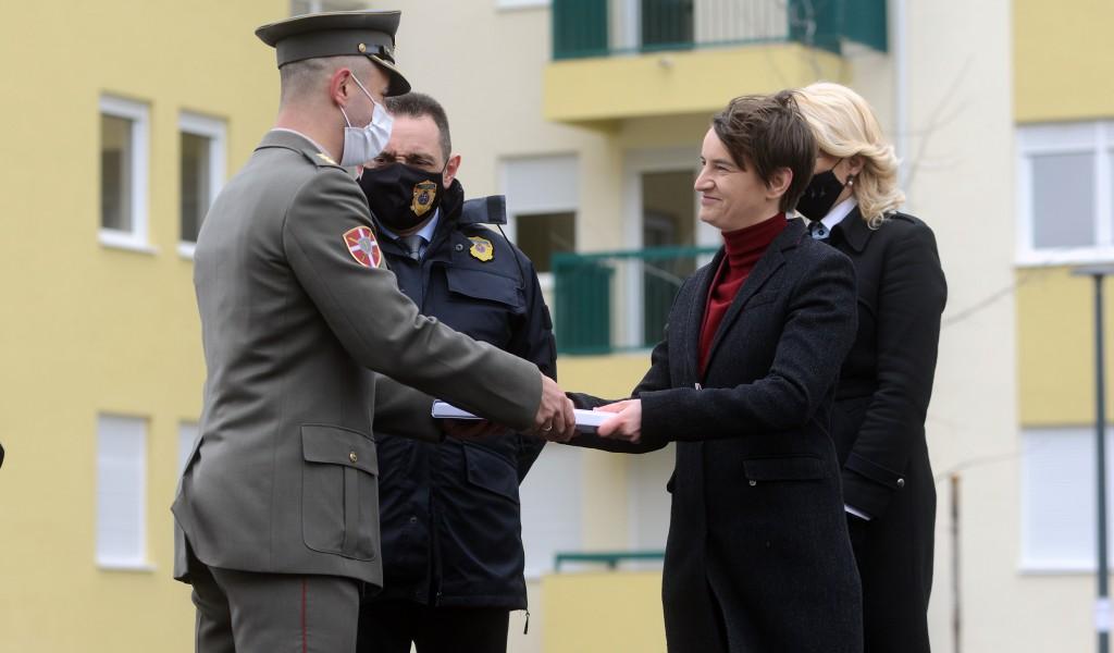 Uručeni ključevi od stanova pripadnicima snaga bezbednosti u Novom Sadu