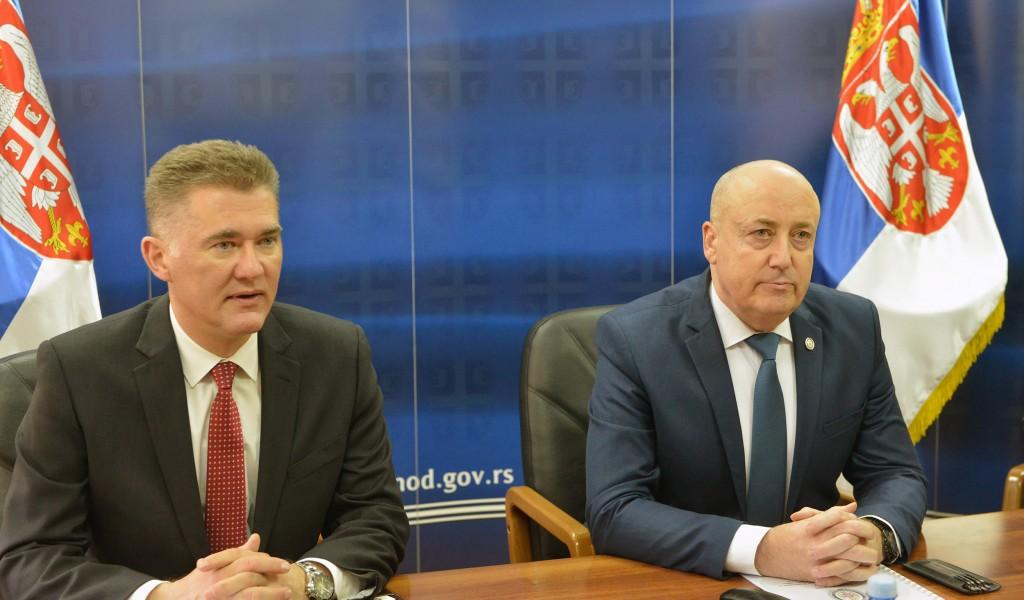 Државни секретар Живковић разговарао са државним секретаром Министарства одбране Уједињеног Краљевства Хипијем