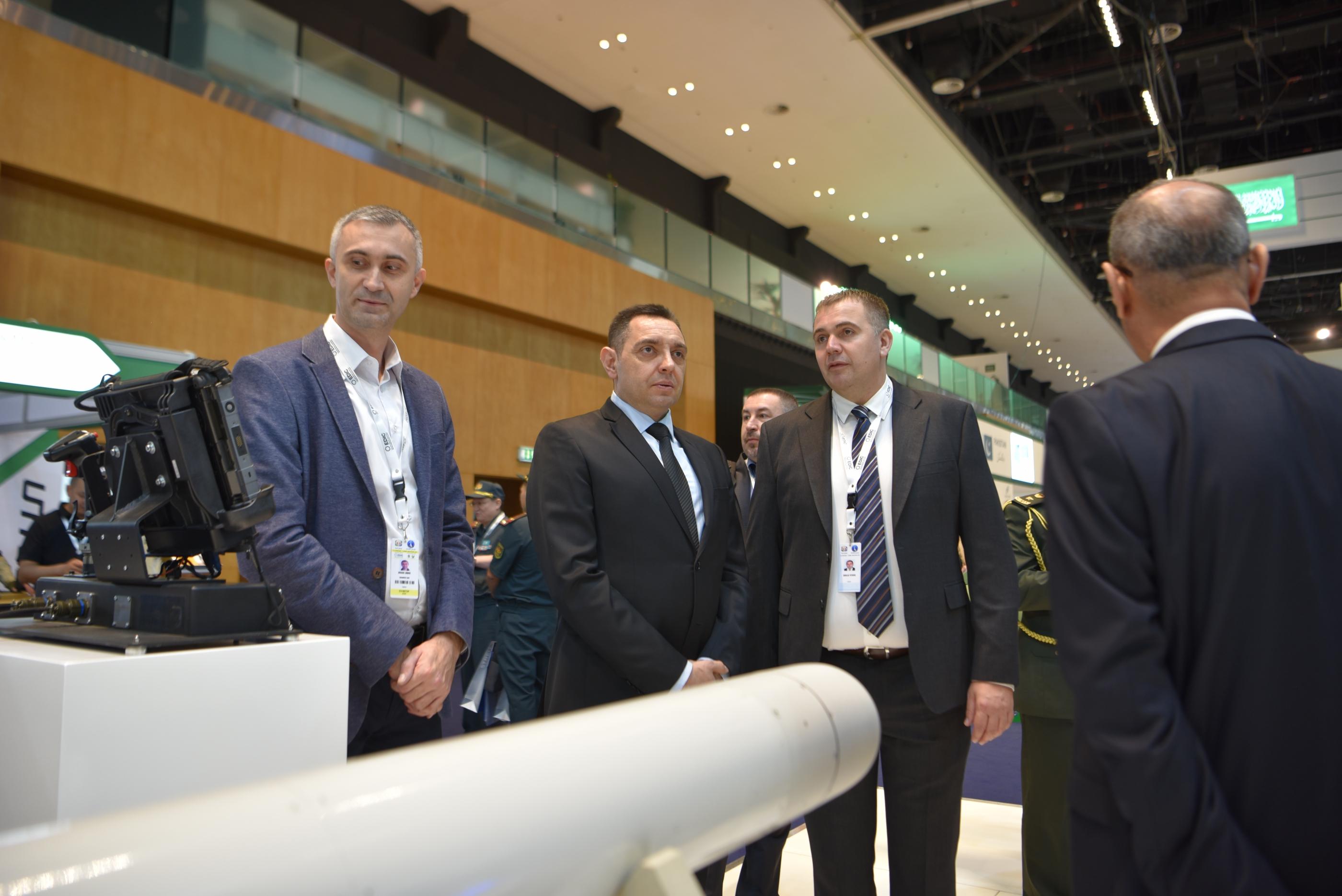 Министар Вулин Велико интересовање за производе српске наменске индустрије