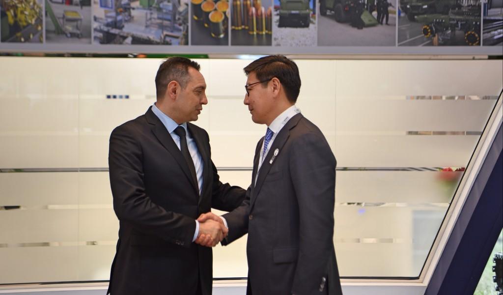 Састанак министра Вулина и министра одбрамбене и аерокосмичке индустрије Казахстана