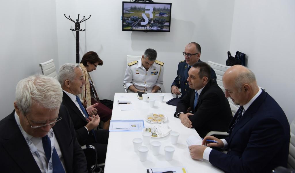 Састанак министра Вулина и грчког министра националне одбране Апостолакиса