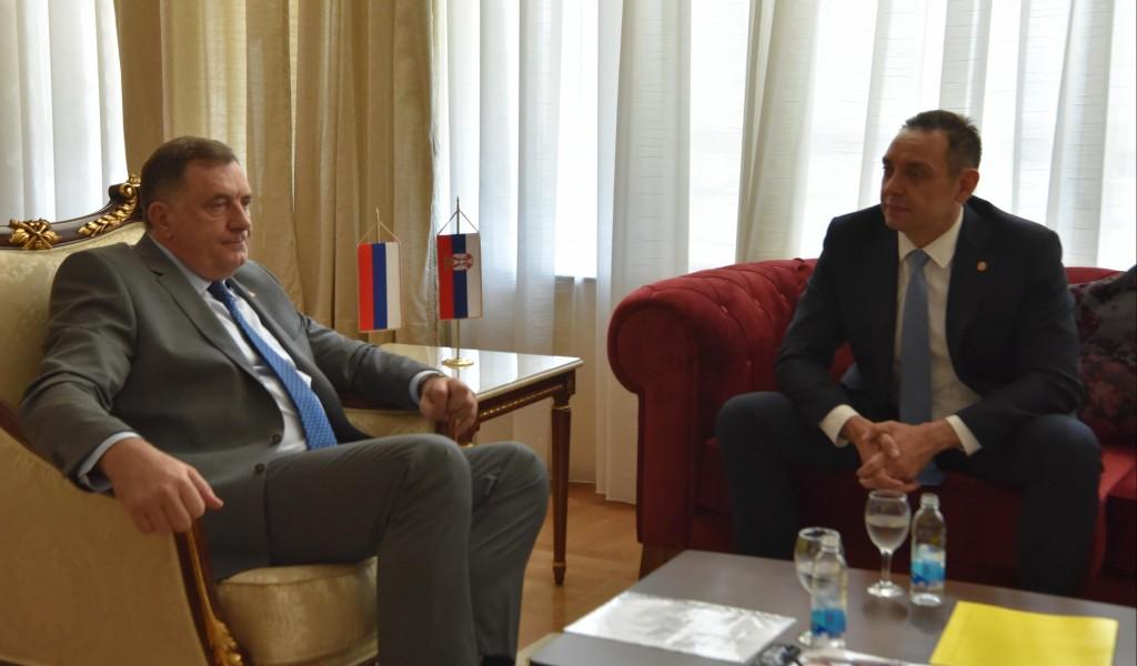 Ministar Vulin Nikakva vojska neće stati između Srbije i Srpske