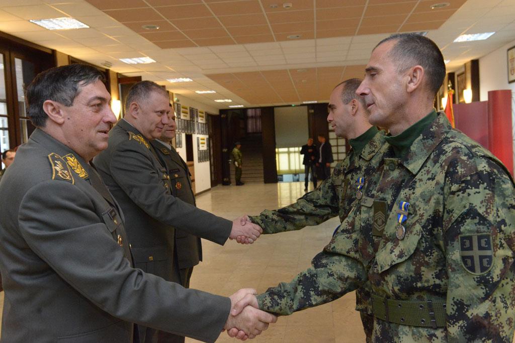 Генерал Диковић разговарао са специјалцима који су се вратили из мисије