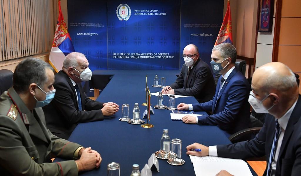 Састанак министра Стефановића са амбасадором Бугарске Влајковим