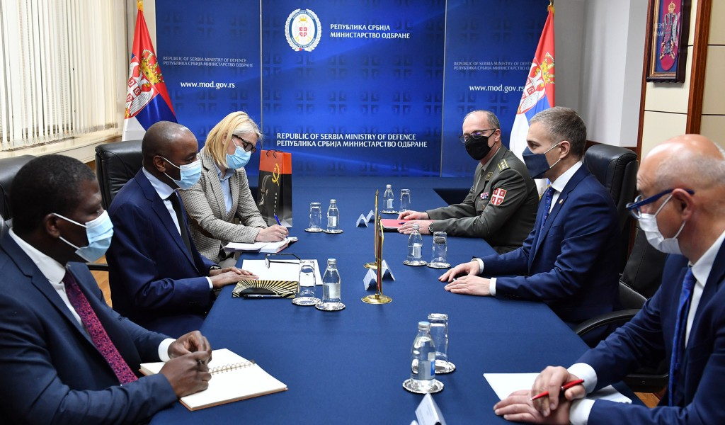 Sastanak ministra Stefanovića sa ambasadorom Angole da Konseisaom