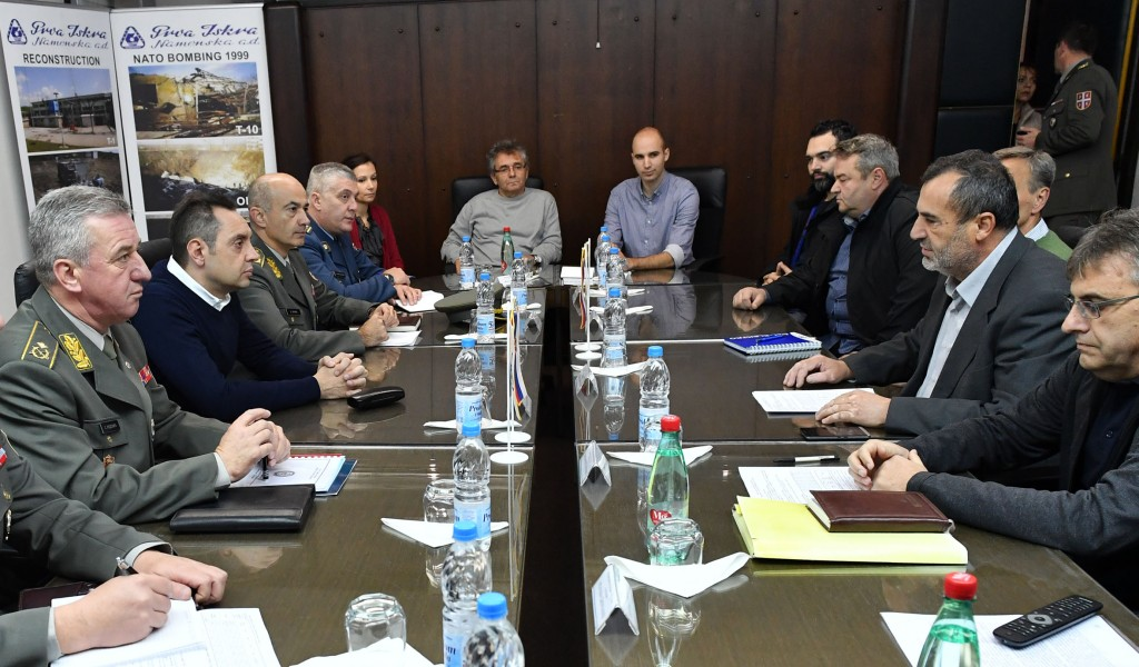 Влада Републике ће наставити да помаже одбрамбену индустрију Србије