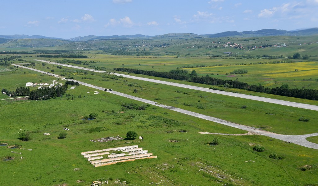 Почетак рашчишћавања аеродрома Сјеница