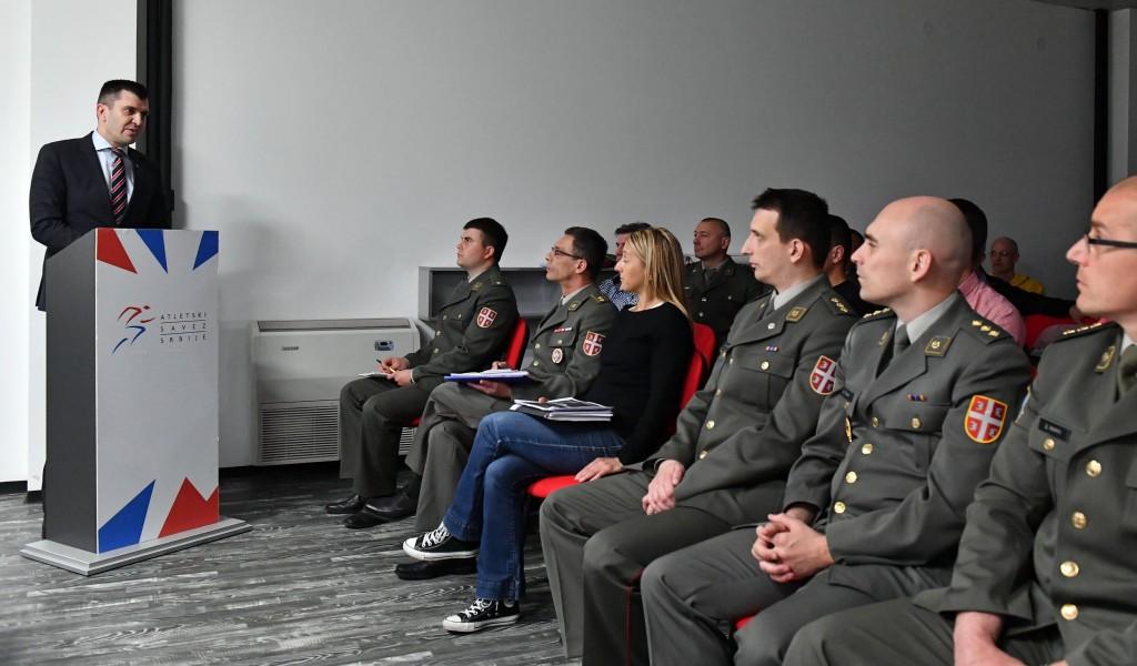 Улагање у спорт у војсци